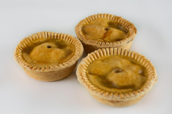 how to make homemade mince and onion pie